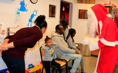 Le père Noël, invité surprise à l'Hôpital, grâce à la mobilisation de la Poste