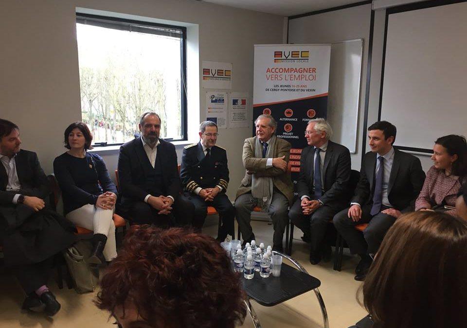 Jacques Mézard est venu donner le coup d'envoi des emplois francs à Cergy lundi